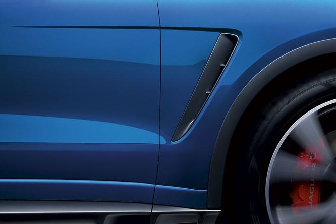 Jaguar trình làng F-PACE SVR, thách thức Porsche Cayenne S ảnh 9