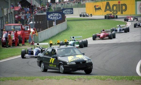 Chiếc Safety Car trong giải đua F1 đã ra đời như thế nào? ảnh 4