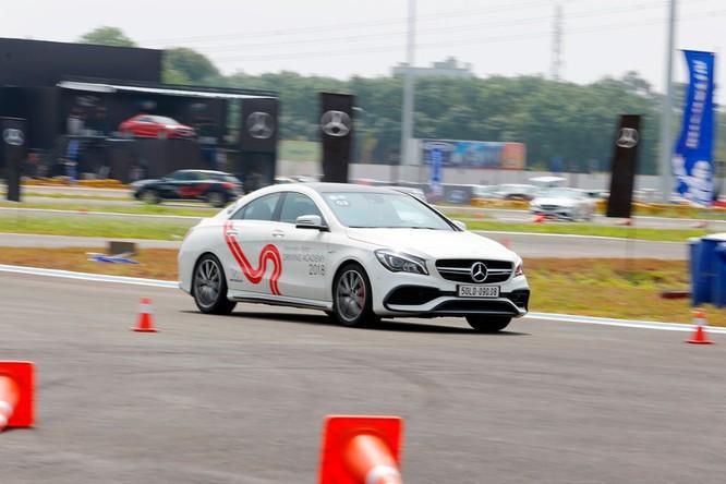 Học viện lái xe an toàn Mercedes-Benz 2018 có gì mới? ảnh 9