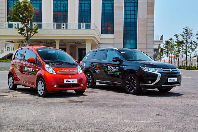 Mitsubishi Motors Nhật Bản chính thức bàn giao xe điện cho TP Đà Nẵng ảnh 1
