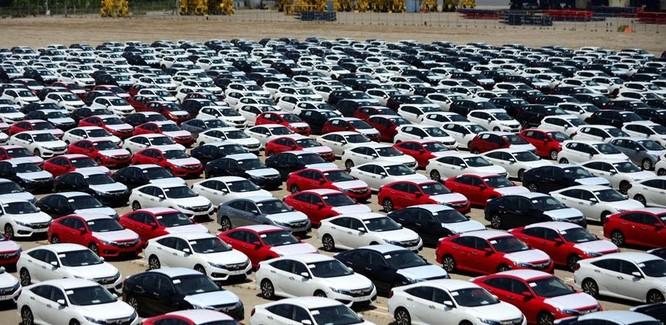 Hơn 1.000 ô tô từ Thái Lan lại ồ ạt cập cảng Việt Nam ảnh 1
