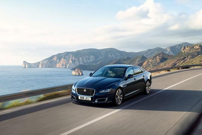 Kỷ niệm 50 năm dòng XJ, Jaguar ra mắt phiên bản đặc biệt XJ50 ảnh 5