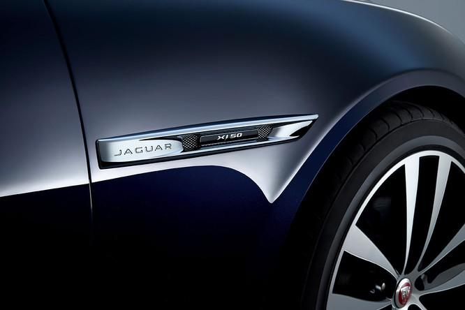 Kỷ niệm 50 năm dòng XJ, Jaguar ra mắt phiên bản đặc biệt XJ50 ảnh 8