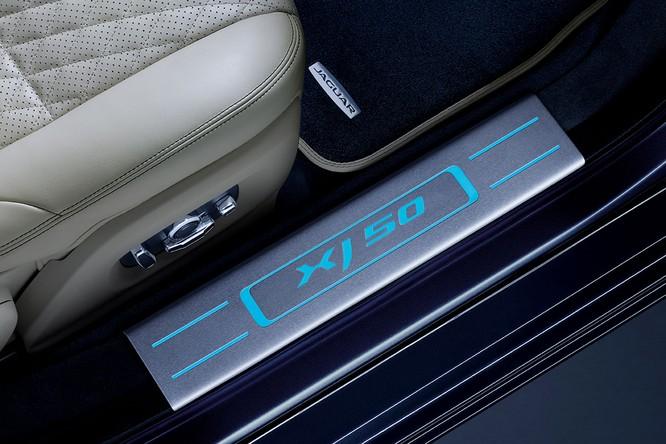 Kỷ niệm 50 năm dòng XJ, Jaguar ra mắt phiên bản đặc biệt XJ50 ảnh 9