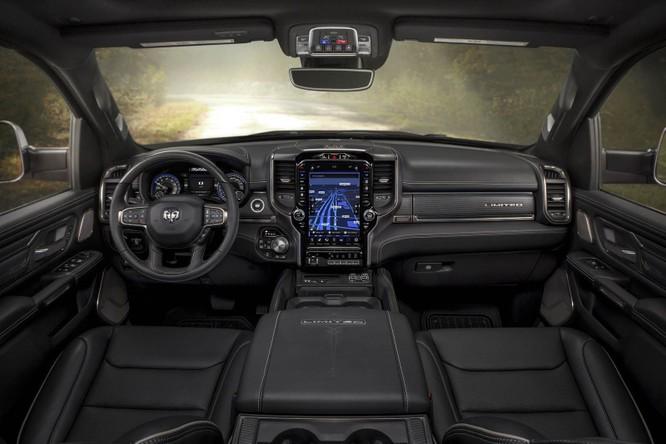 10 thiết kế nội thất ô tô đẹp nhất thế giới của năm 2018 ảnh 8