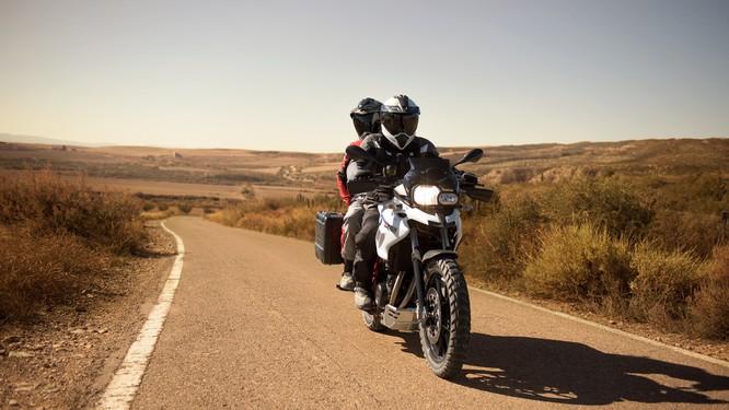 Giá bán loạt xe của BMW Motorrad bất ngờ giảm tới 200 triệu ảnh 4