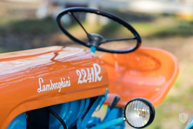 Lamborghini 2241R: Chiếc máy kéo ưa thích của nhà sáng lập thương hiệu siêu xe nước Ý ảnh 4