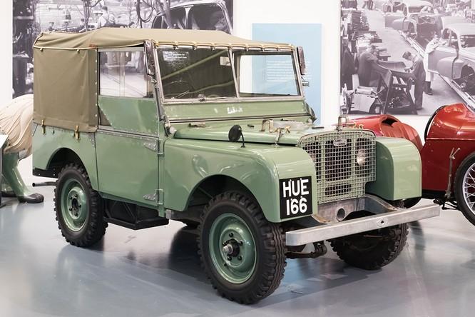 Nhìn lại 70 năm lịch sử của Land Rover qua từng tấm hình ảnh 2