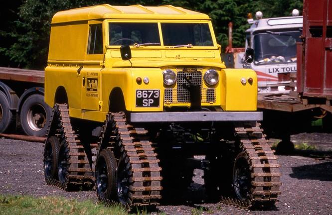 Nhìn lại 70 năm lịch sử của Land Rover qua từng tấm hình ảnh 13