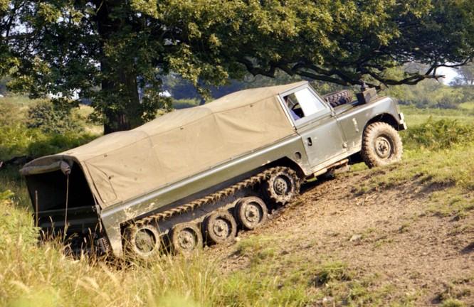 Nhìn lại 70 năm lịch sử của Land Rover qua từng tấm hình ảnh 25