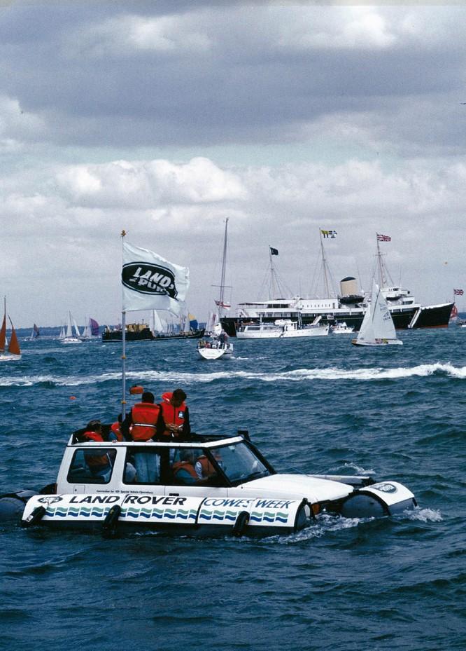 Nhìn lại 70 năm lịch sử của Land Rover qua từng tấm hình ảnh 4