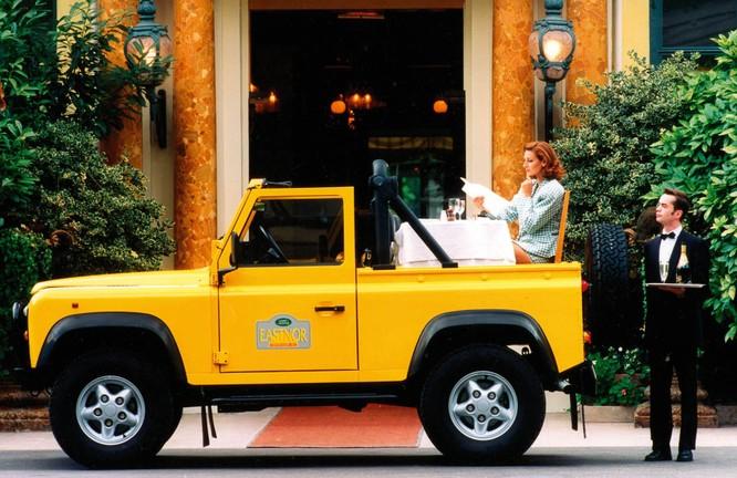 Nhìn lại 70 năm lịch sử của Land Rover qua từng tấm hình ảnh 6