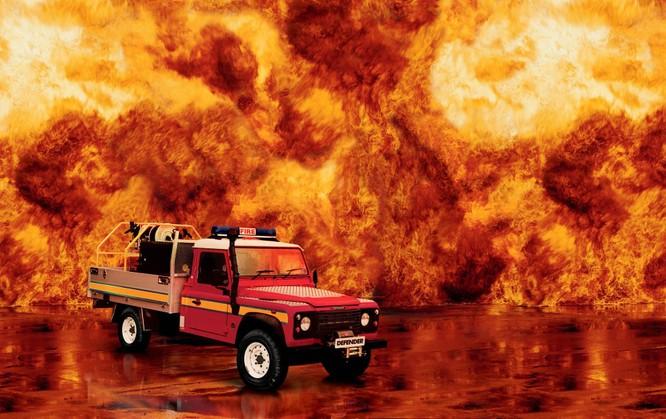 Nhìn lại 70 năm lịch sử của Land Rover qua từng tấm hình ảnh 8