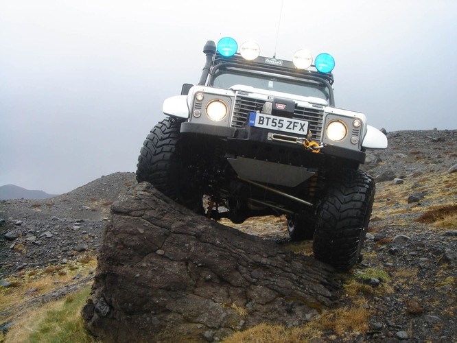 Nhìn lại 70 năm lịch sử của Land Rover qua từng tấm hình ảnh 9
