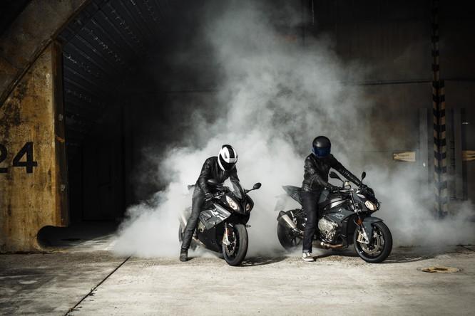 Giá bán loạt xe của BMW Motorrad bất ngờ giảm tới 200 triệu ảnh 1