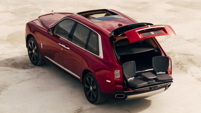 Rolls-Royce Cullinan 2018: Chiếc SUV siêu sang đáng mong đợi của năm 2018 ảnh 4