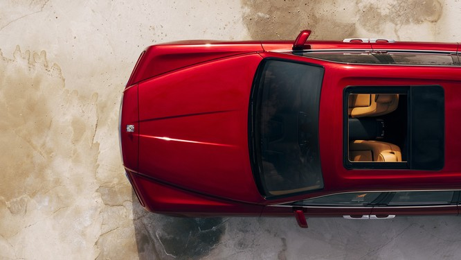 Rolls-Royce Cullinan 2018: Chiếc SUV siêu sang đáng mong đợi của năm 2018 ảnh 8