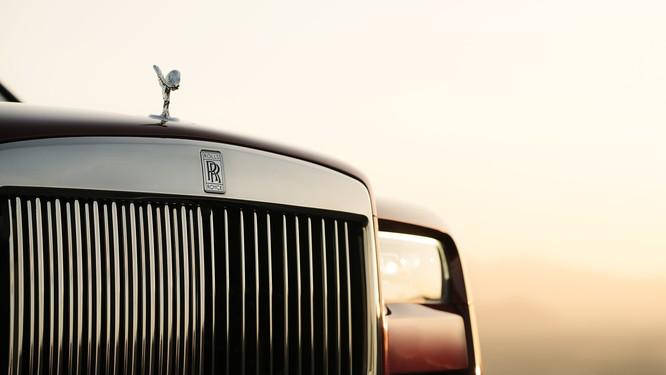 Rolls-Royce Cullinan 2018: Chiếc SUV siêu sang đáng mong đợi của năm 2018 ảnh 10