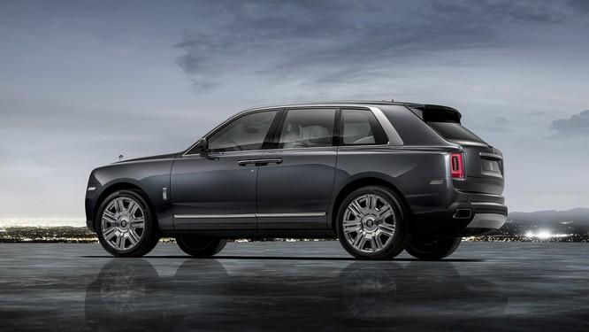 Rolls-Royce Cullinan 2018: Chiếc SUV siêu sang đáng mong đợi của năm 2018 ảnh 14
