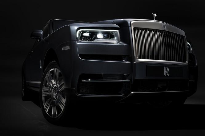 Rolls-Royce Cullinan 2018: Chiếc SUV siêu sang đáng mong đợi của năm 2018 ảnh 6