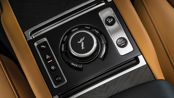 Rolls-Royce Cullinan 2018: Chiếc SUV siêu sang đáng mong đợi của năm 2018 ảnh 17
