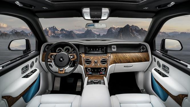 Rolls-Royce Cullinan 2018: Chiếc SUV siêu sang đáng mong đợi của năm 2018 ảnh 21