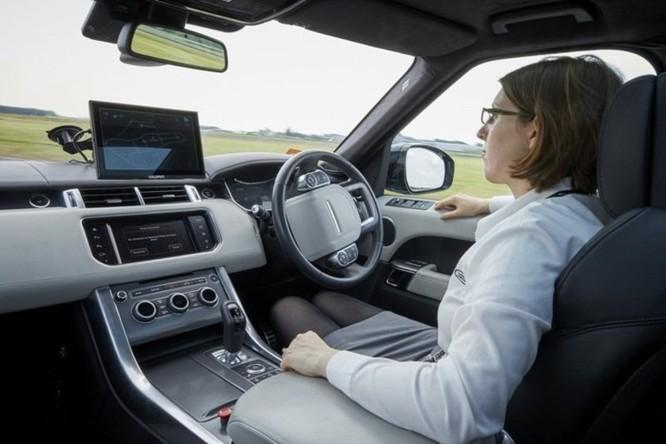 Dự án này sẽ giúp xe Jaguar Land Rover đi trên mọi địa hình mà không cần lái ảnh 1