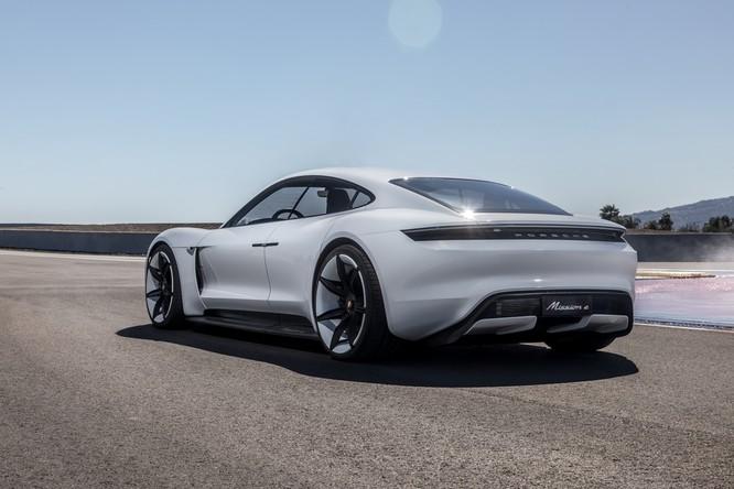 Porsche Taycan sẽ là tên gọi chính thức của dự án Mission E Concept ảnh 2