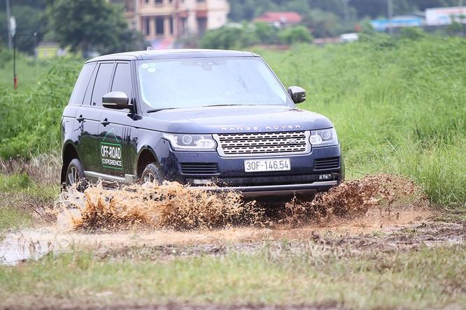 Với Land Rover, một tay mơ cũng có thể trở thành một chuyên gia Off-road ảnh 5