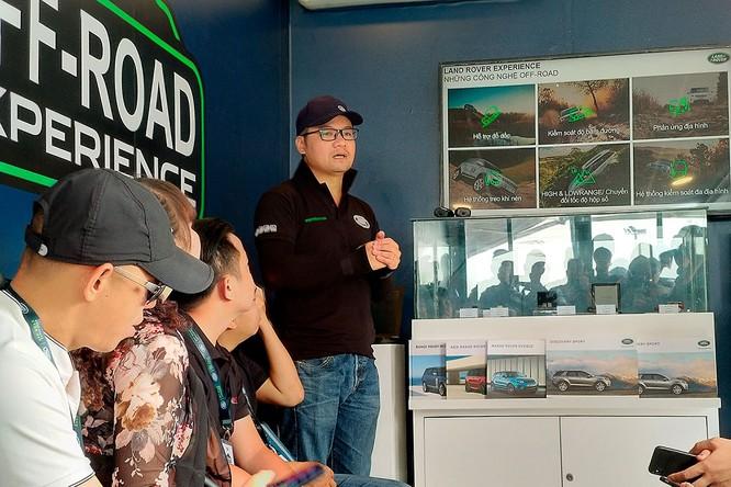 Với Land Rover, một tay mơ cũng có thể trở thành một chuyên gia Off-road ảnh 16