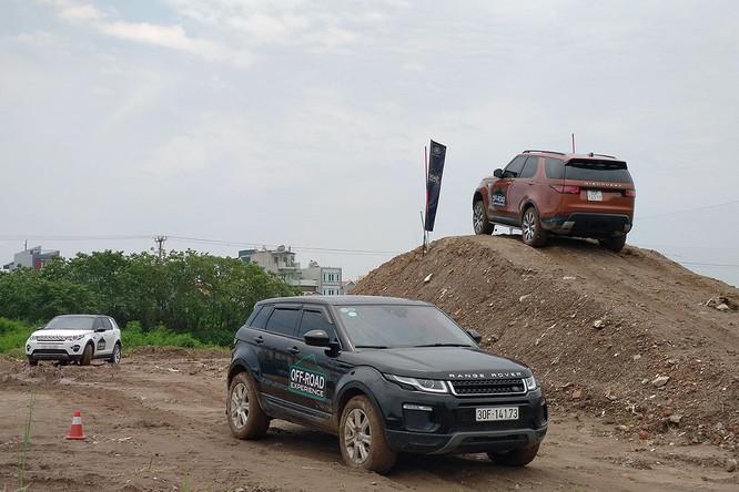 Với Land Rover, một tay mơ cũng có thể trở thành một chuyên gia Off-road ảnh 15