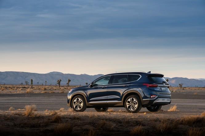 Hyundai Santa Fe 2019 đã có giá chính thức, khởi điểm 593 triệu đồng ảnh 1
