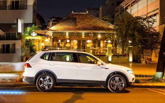 VW Tiguan Allspace 2018 chính thức bán ra thị trường Việt, giữ giá đúng cam kết ảnh 1