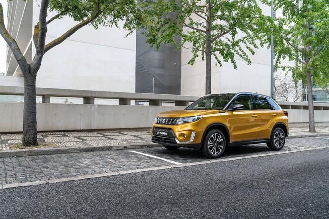 Suzuki công bố Vitara 2019, nội ngoại thất thay đổi nhỏ, thêm 2 động cơ mới ảnh 3