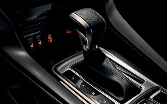 Mitsubishi Pajero Sport thêm lựa chọn với bản máy dầu, rẻ hơn 32 triệu so với Toyota Fortuner ảnh 3