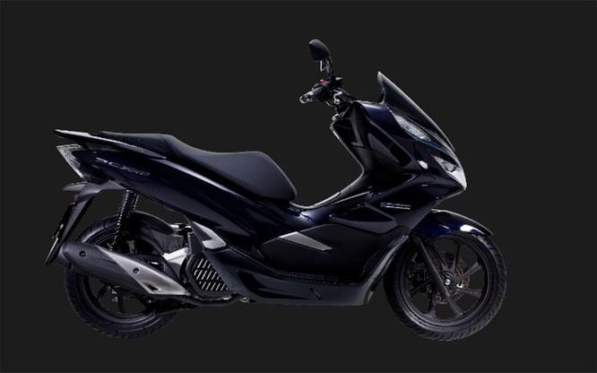 Chỉ tiết kiệm 2% nhiên liệu, cốp bé đi, không ABS, Honda PCX Hybrid có xứng đáng với mức giá 90 triệu ảnh 1