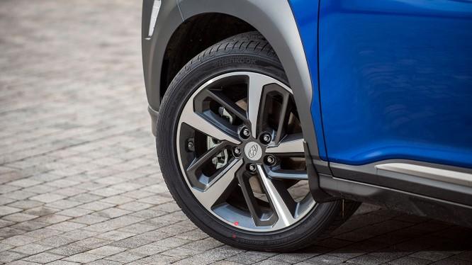 Với giá 615 triệu đồng, Hyundai Kona có làm nên cú hích ở phân khúc SUV cỡ nhỏ? ảnh 4