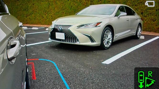 Gương chiếu hậu kỹ thuật số sẽ là trang bị trên Lexus ES 2019 ảnh 7