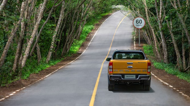Ford Ranger 2018 mới đã có giá bán, từ 630 triệu đồng, 7 phiên bản với 3 tùy chọn động cơ ảnh 11