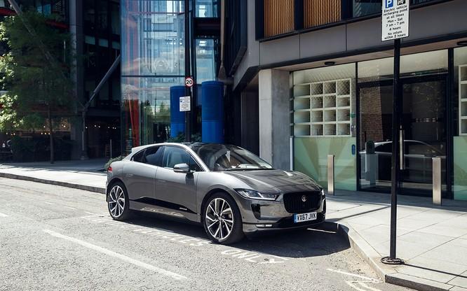 Jaguar I-PACE đang chứng minh xe điện đang ngày càng tốt hơn ảnh 1