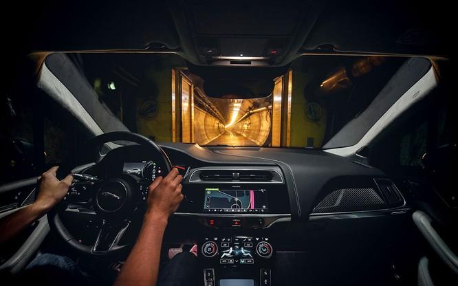 Jaguar I-PACE đang chứng minh xe điện đang ngày càng tốt hơn ảnh 3