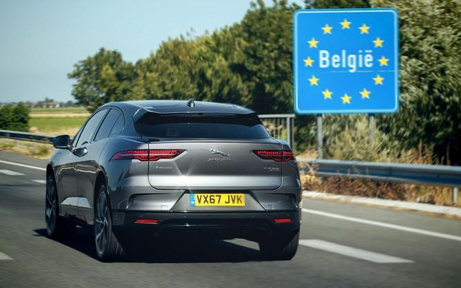 Jaguar I-PACE đang chứng minh xe điện đang ngày càng tốt hơn ảnh 4