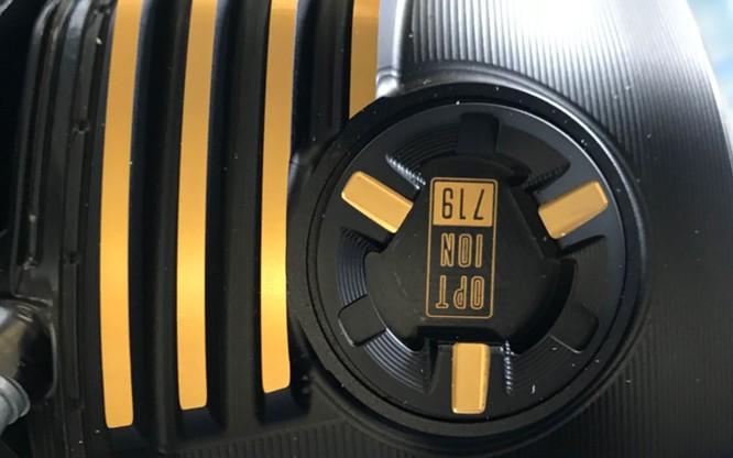 BMW R nineT Spezial và K1600 Grand America bất ngờ xuất hiện tại sân bay Tân Sơn Nhất ảnh 7