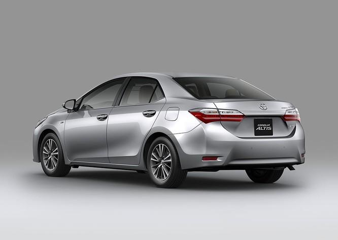 Thêm tính năng, giá bán Toyota Corolla Altis 2018 vừa ra mắt tại Việt Nam có biến động? ảnh 1