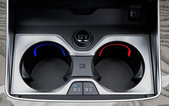 BMW X7 2019 chính thức lộ diện, sang trọng như Rolls-Royce ảnh 21