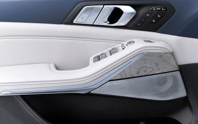 BMW X7 2019 chính thức lộ diện, sang trọng như Rolls-Royce ảnh 27