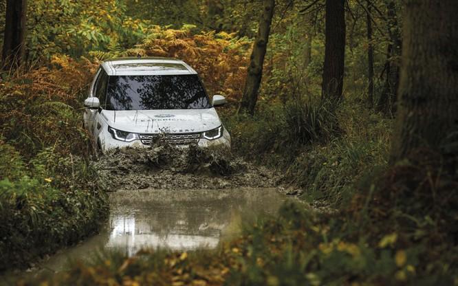 Ngoài trưng bày xe, còn gì đáng để quan tâm tới thương hiệu Land Rover tại VMS 2018 ảnh 3