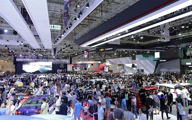 Hạ màn triển lãm ô tô Việt Nam 2018: Cú hích cho thị trường xe cuối năm ảnh 1