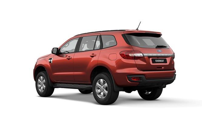 """Ford Ranger và Everest được bổ sung phiên bản tiêu chuẩn, giá """"mềm"""" hơn ảnh 2"""
