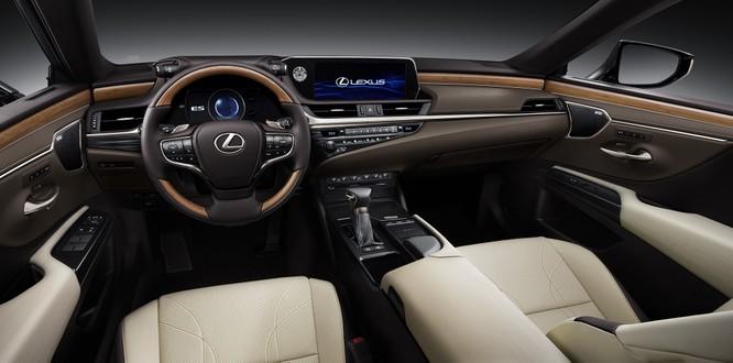 Lexus Việt Nam chốt giá bán cho mẫu ES 250 hoàn toàn mới ảnh 3